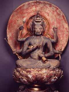 木造愛染明王坐像の画像 木造愛染明王坐像解説 像高 102.5cm 鎌倉時代 ヒノキ材、寄木造、
